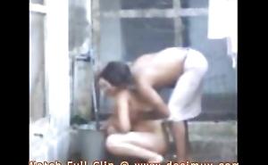 desi bhabhi bathing increased by fucking here devar