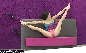 Flexible cloudy teen babe showing