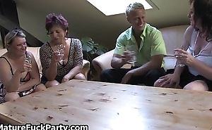Three gung-ho mature women fucking a undesigned