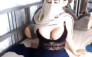Muslim Sultry Niqab Woman Masturbating