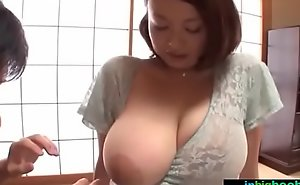 Busty japanese white women groped and drilled hard - what´s the brush name?
