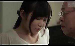 Japanse schoonvader geneukt schoondochter (Zie meer: shortina.com/NC8ku)
