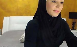 Arab hijab floosie gang  &_ masturbation on cam