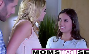 Momsteachsex - showing my teen lady putting to engulf large penis