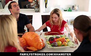Step sister Sucks And Bonks NOT kinsman By means of  Dinn