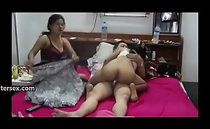 Threesome, a boss added to the brush sexy 2 secretaries