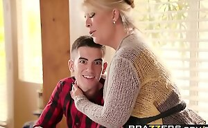 Brazzers porn  - mamma got pantoons - homemade american love muffins chapter starring ariella ferrera and jordi el ni&a