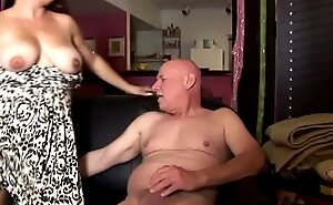 Leader cute chunky chick loves to suck whomp together with infect cum