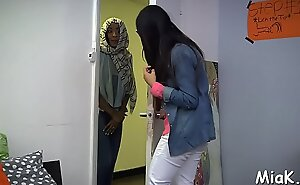 Arab blow job commotion inner the shower room