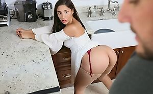 Dark-haired minx with a perfect ass shagged relating to the kitchen