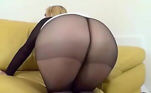 Jerf off apropos My Pantyhosed Bore