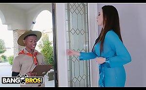 BANGBROS - MILF Ariella Ferrera Trades Slit For Lil D's Scout Cookies