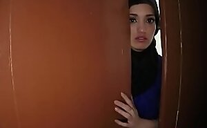 Beautiful Arab wed left unconnected with husband decided nigh sold her shaved tight p-for-sex-3