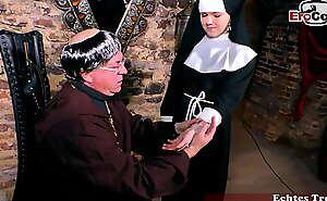 junge nonne zum sexual congress verführt im kloster